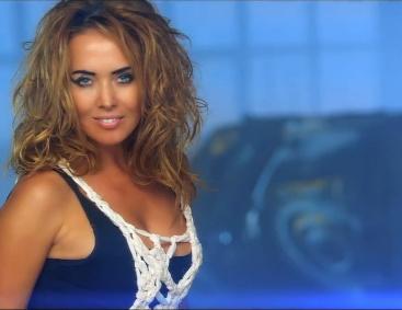 Беременная Жанна Фриске презентовала клип на песню